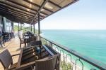 lakoba-mussera_beach-cafe_1
