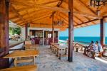 lakoba-mussera_beach-cafe_3