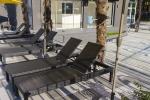 Открытый подогреваемый бассейн, зона отдыха